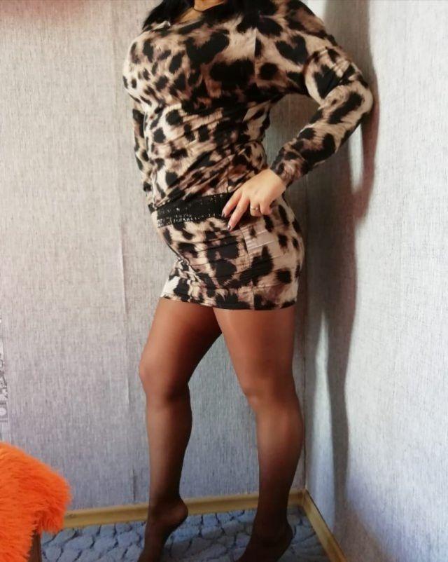 ishu-prostitutku-v-norilske-negr-trahaet-negritosku-vannoy